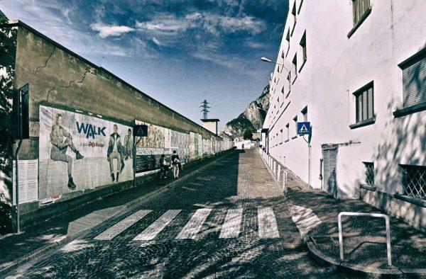 Lecco, via Ongania: 2 postazioni